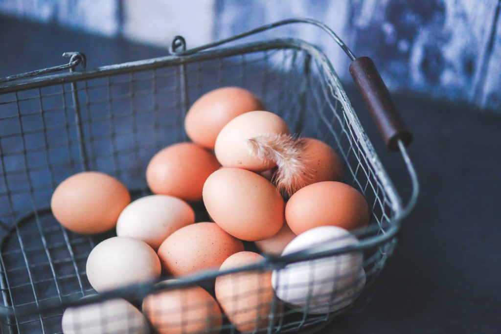 Brown eggs and White eggs